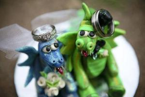 cake-toppers-wearing-rings